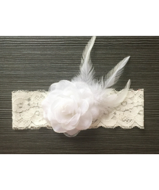 Svatební podvazek s květinou a peříčkem