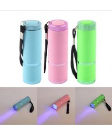 LED přenosná baterka