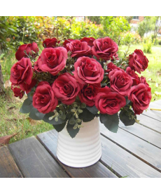 Kytice umělých růží