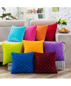 Plyšový dekorační povlak na polštář v pastelových barvách