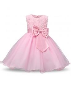 Dětské dívčí šaty se saténovou mašlí a květinovým vzorem