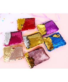 Měnící kabelka s lesklými glittery