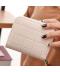 Menší moderní dámská peněženka s mřížkou