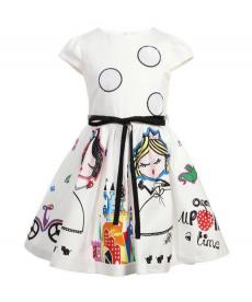 Nádherné dívčí šaty