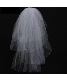 Svatební závoj s perlami