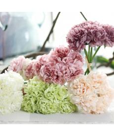 Svazek dekoračních umělých květin