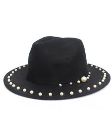 Dámský klobouk s perlami
