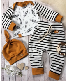 Novorozenecký set s proužky v přírodních barvách