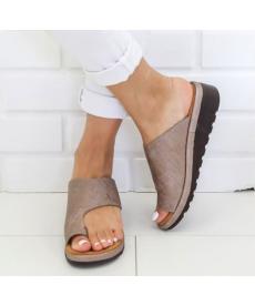 Elegantní dámské pantofle na palec
