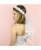 Bílý svatební závoj s květinovou čelenkou