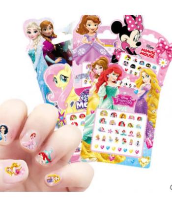 Nálepky na nehty s oblíbenými kreslenými postavami