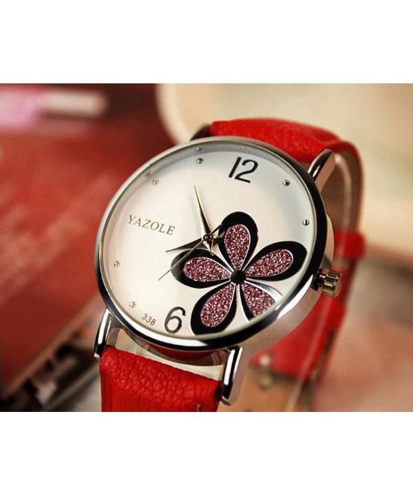 Dámské hodinky s velkým ciferníkem a koženkovým řemínkem 64d885f5c80