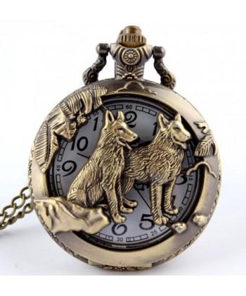 Závěsné hodinky s vlky - retro styl