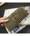 Peněženka s kovovými bodlinami pro ženy