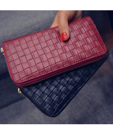 Dámská elegantní propletená peněženka