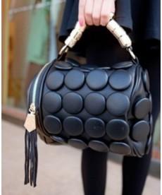 Elegantní kabelka ve tvaru válce