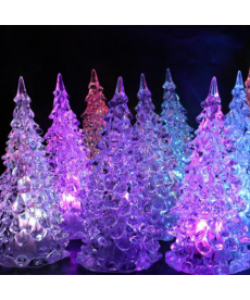 Malý LED svítící stromek