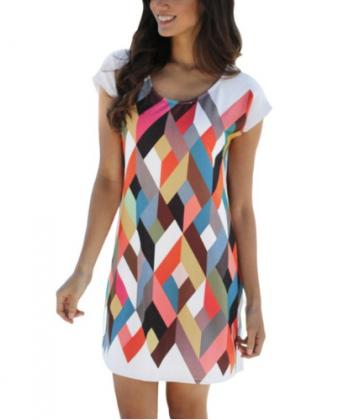 Letní šaty v klasickém střihu s krátkými rukávy a geometrickými tvary d0974555ed