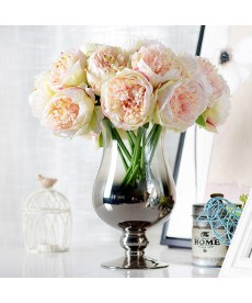 Umělé dekorativní květiny pivoňky
